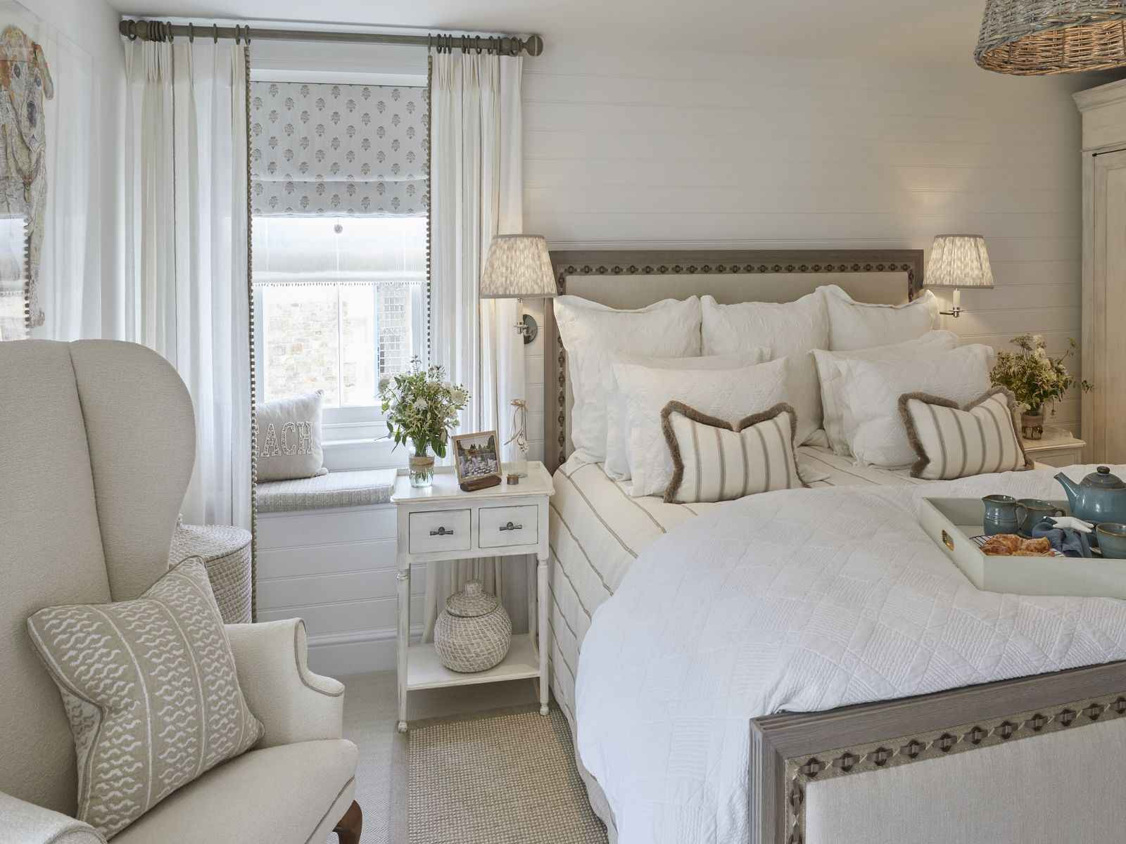 Double bed in the master bedroom of Mountain Ash House