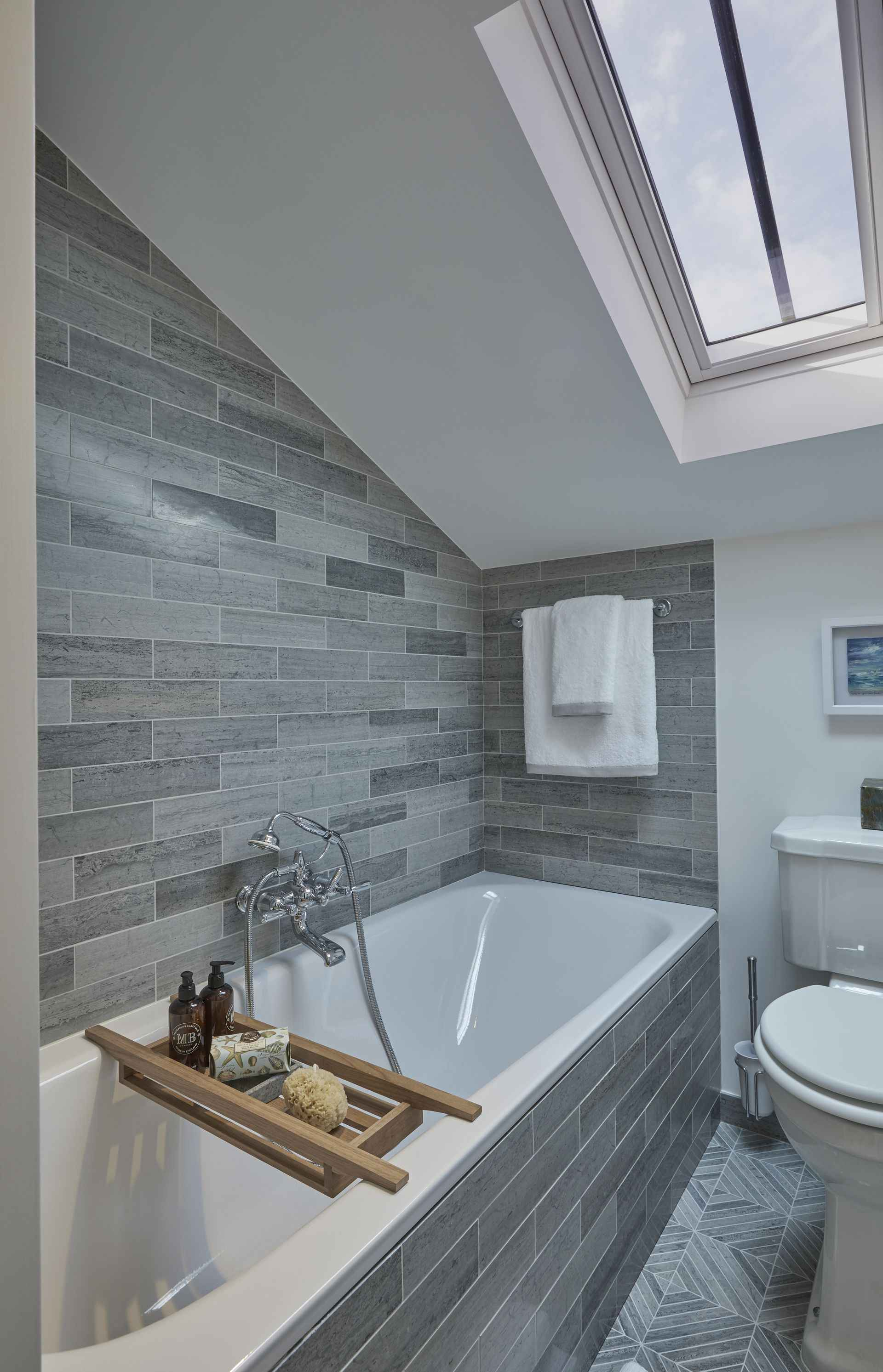 En Suite ofpink room at Mountain Ash House